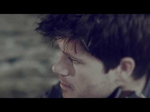 SETH LAKEMAN – THE COURIER – OFFICIAL MUSIC VIDEO
