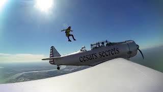 Cesars Secrets Fallschirmsprung Flugzeug