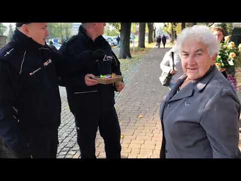 Wideo1: Policja rozdaje odblaski