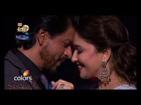 Video Shah Rukh Madhuri re create magic on stage download in MP3, 3GP, MP4, WEBM, AVI, FLV January 2017