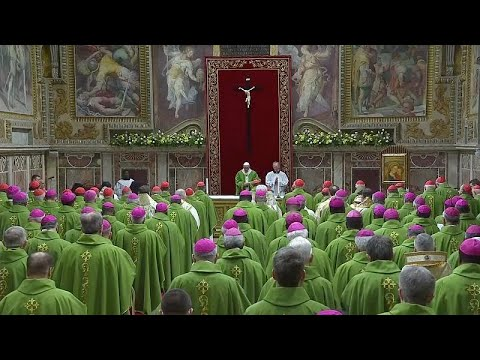 Vatikan: Papst Franziskus beendet 4-tägigen Gipfel / »Getan hat er nichts«