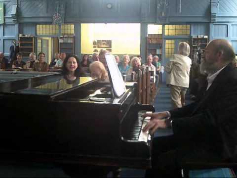 piano medley: We'll Meet Again,The Lambeth Walk