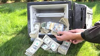 I FOUND AN ABANDONED SAFE FILLED WITH MONEY $100,000! | David Vlas