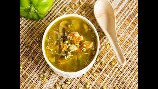 सूपचा इतिहास स्वंयपाकाच्या इतिहासाचा एवढाच जूना आहे. सूप म्हणजे अनेक प्रक...