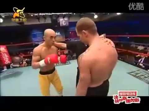 少林第一武僧v.s美國警察...你猜猜誰被一拳KO?