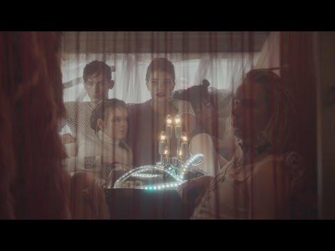Katarzia  v novém klipu ukazuje hodinový hotel jako dreamostroj. Co to je?