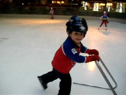 tonkaboy74 - My boy skating for the first time!!! (Feb 7, 2010)