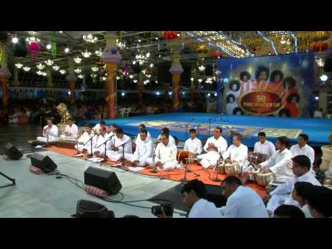 Video USTAD ZAKIR HUSSAIN's TABLA SOLO CONCERT - JHOOLA MAHOTSAVAM download in MP3, 3GP, MP4, WEBM, AVI, FLV January 2017