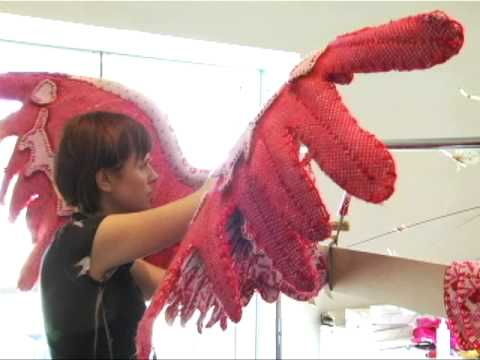 Creating the famous Victoria's Secret Angel wings - P2