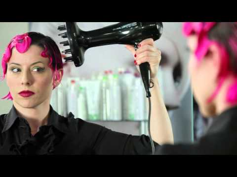 How to Create a Classic Finger Wave