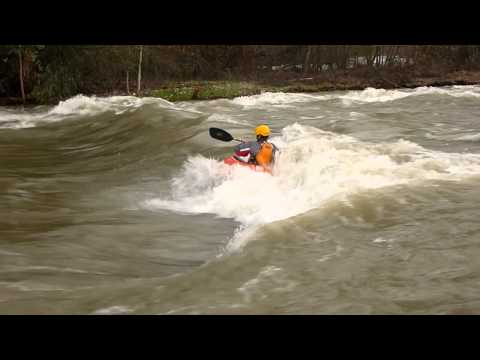 Playboating Arden rapids @ 21,100cfs