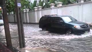 Big Heavy Afternoon Rain Storm Flooding Street Feb 2nd By Phra Khanong BTS  - Phil In Bangkok