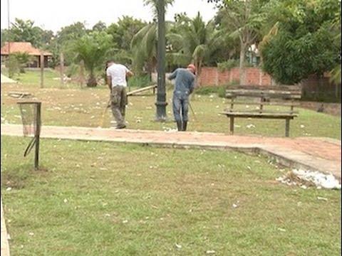 Três dias após realização de bingo, Avenida Mâncio Lima continua suja