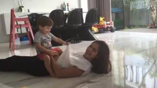 Video Video Bobok Cantik Mama Jessica Iskandar di Cium Pangeran El Barack Alexander MP3, 3GP, MP4, WEBM, AVI, FLV Agustus 2018