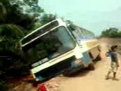 ônibus atola em Corumbiara