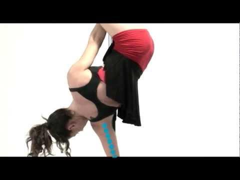 Порно что вытворяют женщины на мужских стриптиз видео обучают молодых ребят
