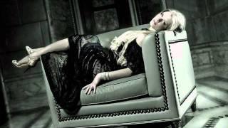 Loreta - Stranger in Moscow (Michael Jackson cover)