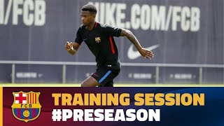 After taking Tuesday off, FC Barcelona's first team were back in business today at the Ciutat Esportiva for their final training session ahead of their tour of the United States. Ernesto Valverde called upon a full complement of players, barring the absent Jordi Alba.Adrian Ortolá, Jokin Ezkieta, and Carles Aleñá from Barça B were also involved.This was the manager's first chance to really run the rule over new boy Nélson Semedo, with the Portuguese wing back taking part in his first session with his new team mates. Later on today at 4.00pm CET, the squad will fly out to New Jersey to start their twelve day American tour.----FC Barcelona on Social MediaSubscribe to our official channel http://www.youtube.com/subscription_center?add_user=fcbarcelonaFacebook: http://www.facebook.com/fcbarcelonaTwitter: http://twitter.com/FCBarcelonaGoogle+: http://plus.google.com/+FCBarcelonaInstagram: http://www.instagram.com/FCBarcelona