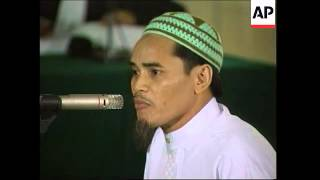 Video Bali suspect Amrozi appears at Abu Bakar Bashir trial MP3, 3GP, MP4, WEBM, AVI, FLV Juli 2018