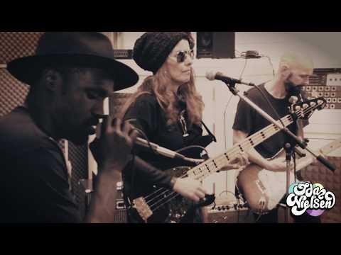 Ida Nielsen & the FunkBots Live Medley