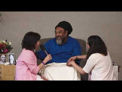 "Mooji Video: ""Our Family Is Living In Satsang"""