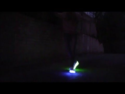 LED SHOES in the dark |Cutting shapes| Shuffle |Footwork|