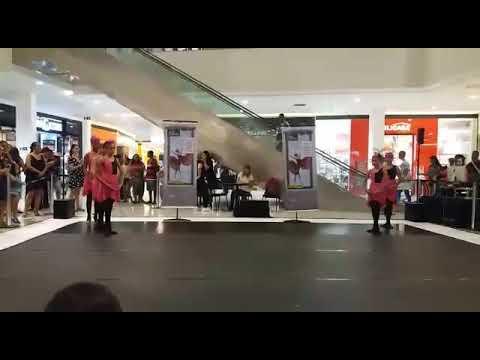 Kinoplex - Apresentação no top shopping. Coreografia q gangou 2° lugar no Recriart