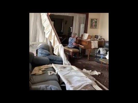 Βηρυτός: Γιαγιά παίζει πιάνο μέσα στο κατεστραμμένο της σπίτι…