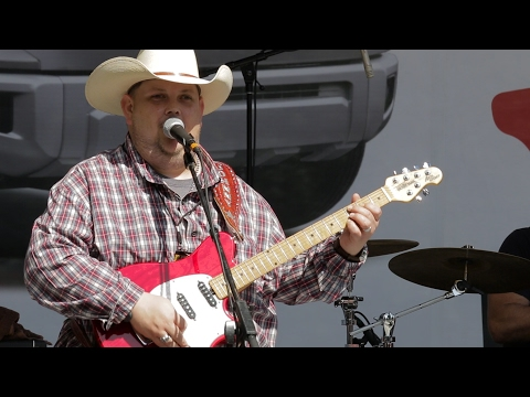 Bluesberry Jam - Johnny Hiland at the Dallas International Guitar Show