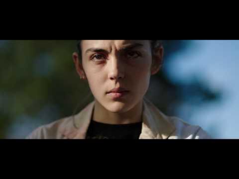 這部法國恐怖片挑戰「生吃人肉」題材竟然把觀眾嚇昏送醫,獵奇的「血水愛愛」場面更是讓人看完超有陰影!