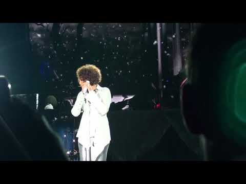 Whitney Houston - I Look To You (Live From Leipzig Concert, 2010)