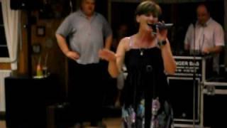 "Download Lagu Simone zingt Wllleke Alberti's "" Ome Jan"" Mp3"
