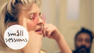 Video Anne-Marie - Alarm (acoustic) | Småll Sessions MP3, 3GP, MP4, WEBM, AVI, FLV Februari 2018