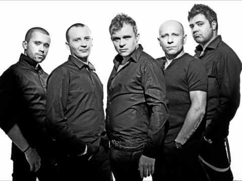 Tekst piosenki Coma - M.G.D.K. (Muzyka Gra Do Końca) po polsku