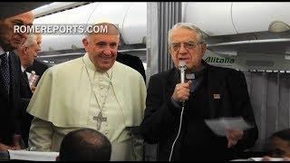 """Suscríbete al canal: http://smarturl.it/RomeReportsESPVisita nuestra web: http://www.romereports.com/esSuscríbete a nuestra newsletter: http://bit.ly/1RLUQBzSíguenos en Facebook https://www.facebook.com/RomeReportsESP""""La renuncia de Benedicto XVI fue el hecho más clamoroso del que tuve que hablar"""", dice.---------------------Para difusión del vídeo: sales@romereports.comROME REPORTS es una Agencia de Noticias para TV, internacional e independiente, especializada en la actividad del Papa, la vida del Vaticano y los debates de actualidad sobre temas sociales, culturales o religiosos.  Informar sobre la Iglesia Católica requiere cercanía a las fuentes, conocimiento en profundidad de la Institución, y elevados niveles de creatividad y competencia técnica.ROME REPORTS informa directamente al público y cubre las necesidades de las emisoras mediante noticias diarias, programas informativos semanales y documentales especializados.---------------------Visítanos en...Nuestra WEB http://es.romereports.com/FACEBOOK https://www.facebook.com/RomeReportsESPTWITTER https://twitter.com/romereports"""