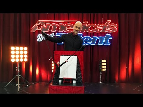 America's Got Talent 2018 - The Painting Puppet - La Marionnette Qui Peint
