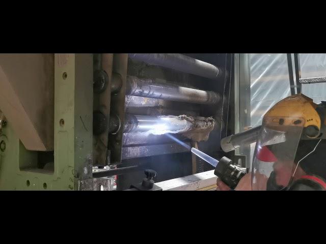 Comfort Cleaning stond in voor het droogijsstralen van de grafische productiemachines bij DECO-PRINT uit Zele, deze firma is producent in kwalitatief behangpapier sinds 1983.   Bij deze opdracht verwijderen we lijm, inkt, vinyl restanten zonder de ondergrond te beschadigen op een geheel droge techniek.   Droogijsstralen is één van de specialiteiten van Comfort Cleaning!  #vinyl #wallcoverings #wallfashion #wallpaper #droogijsstralen #maitenance #grafischenijverheid  Hebben uw productiemachines ook nood aan deze reinigingstechniek?  Voor meer informatie, contacteer ons vrijblijvend: 056 70 70 80  info<strong>@comfortcleaning</strong>.be www. comfortcleaning.be