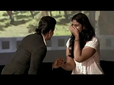 rukh - She was too nervous to ask him a question. So her hero went down on one knee. Watch more videos: http://www.ndtv.com/video.