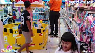 Video LOL SURPRISE BFF & LOL HOUSE @Toys R Us - Shopping New Toys May 2019 MP3, 3GP, MP4, WEBM, AVI, FLV Juni 2019