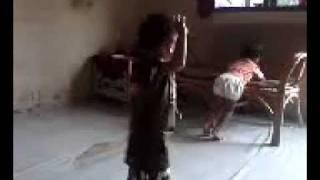 Video lucu anak dance 2012(nino).3gp