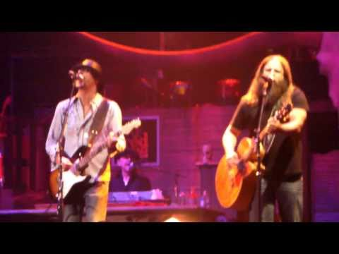 Video Kid Rock & Jamey Johnson - Only God Knows Why download in MP3, 3GP, MP4, WEBM, AVI, FLV January 2017