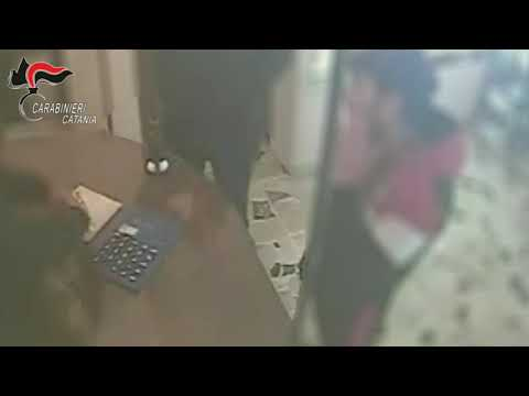 Estorsione a un gioielliere IL VIDEO