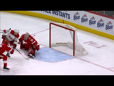 Video: Jimmy Howard robs Hurricanes' Skinner with huge glove save