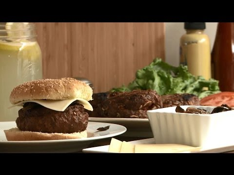 Grilling Recipes – How to Make Bacon Stuffed Burgers