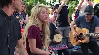 Video Shakira - Chantaje (Live in Washington Square Park / En Vivo en Washington Square Park) MP3, 3GP, MP4, WEBM, AVI, FLV Juli 2018