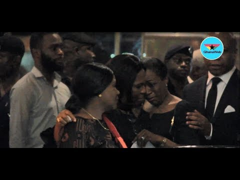 Kofi Annan's daughter sheds tears as remains of father arrive in Ghana