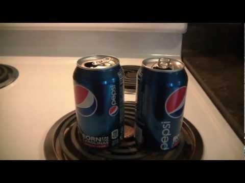 飲料罐加熱放入冰水會如何? 結果讓網友吃驚
