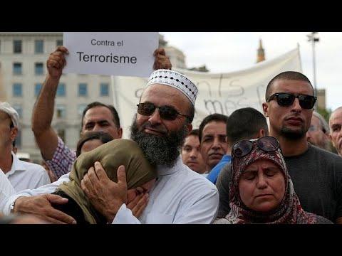 Βαρκελώνη: Διαδήλωση μουσουλμάνων κατά της τρομοκρατίας