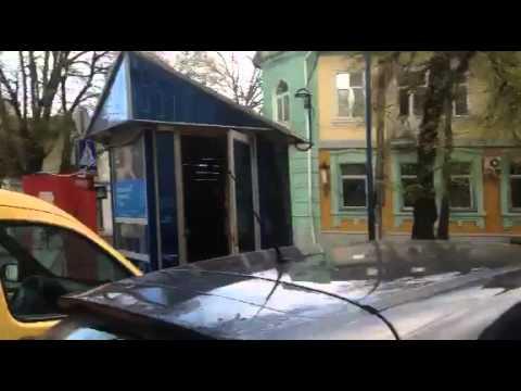 """""""Стоп бидло""""! Рівненські активісти вкотре спіймали """"автохама на гарячому"""" [ВІДЕО 18+]"""