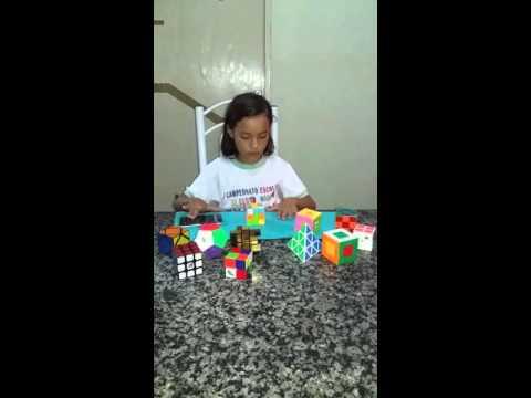 Raíssa de Bodocó-PE,10 anos resolvendo o cubo mágico em 22 segundos.